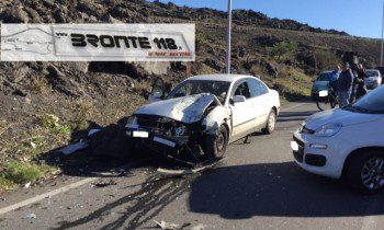 BRONTE: INCIDENTE IN VIALE KENNEDY – LE FOTO