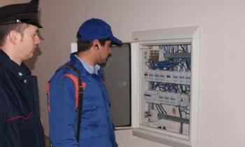 MANIACE, RUBA ENERGIA ELETTRICA: DENUNCIATA