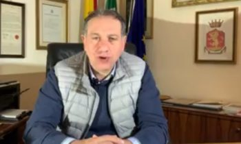 RANDAZZO, IL SINDACO: «LA ZONA ROSSA CI HA SALVATI» DONATI DISPOSITIVI AGLI OPERATORI IPAB